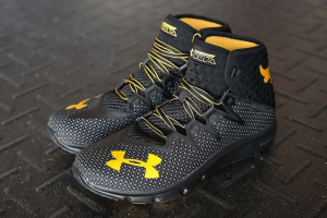 the rock gear has under armour project rock delta workout shoes in black for sale. click the image to go to ebay to get your best price.